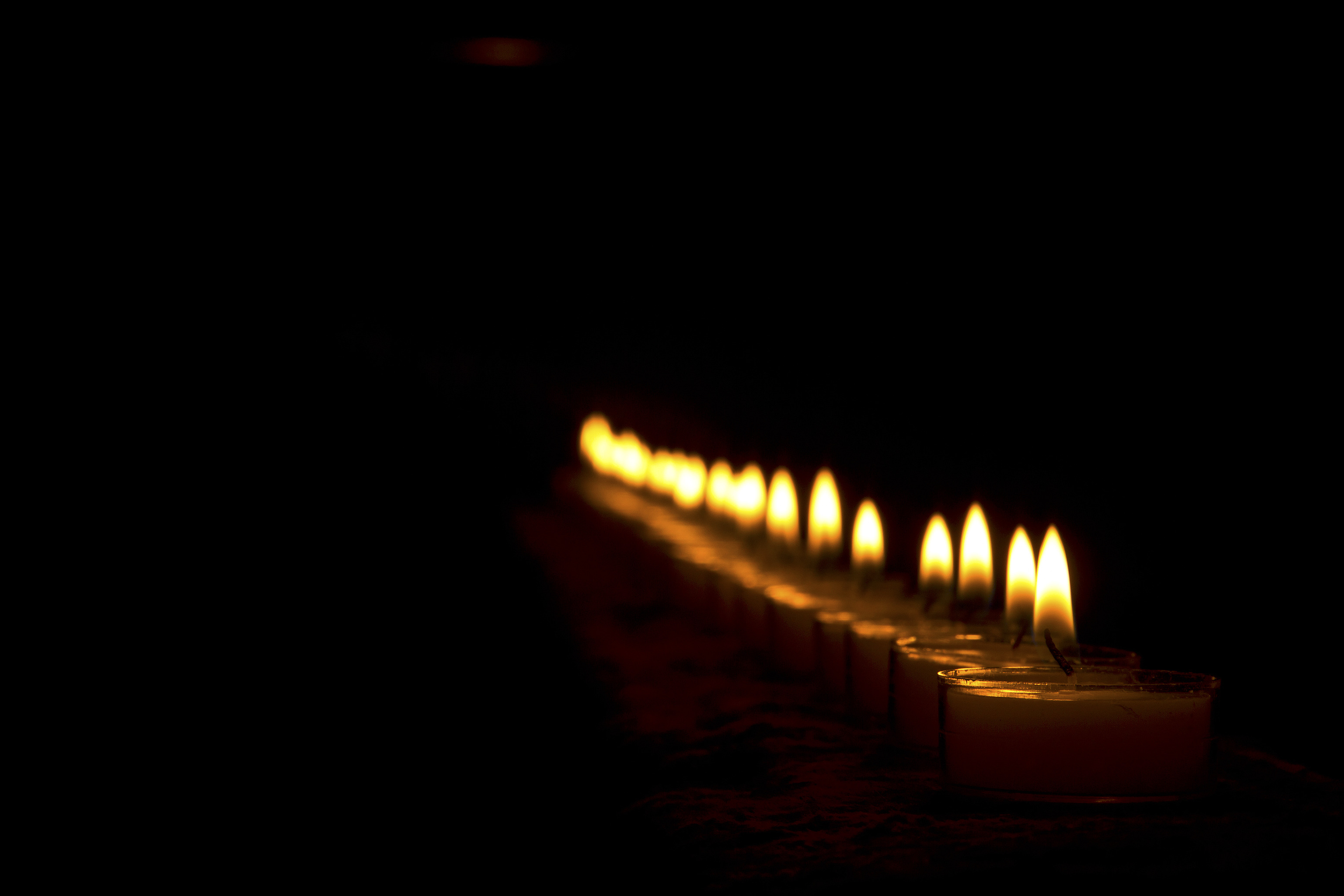 candles_MkuhOyKu